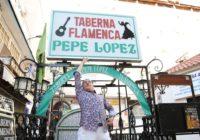 Carrete en la entrada del Tablao Flamenco Pepe Lขpez